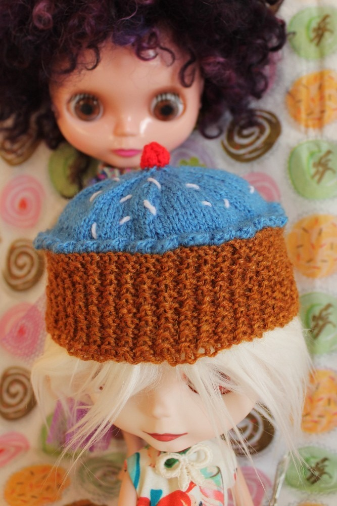 Blythe Knitting Patterns : Blythe Cupcake Hat   Knitting Pattern   Sinead OBrien