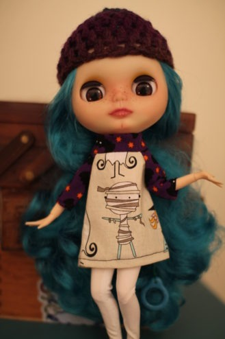 Blythe raglan dress sewing pattern - voila