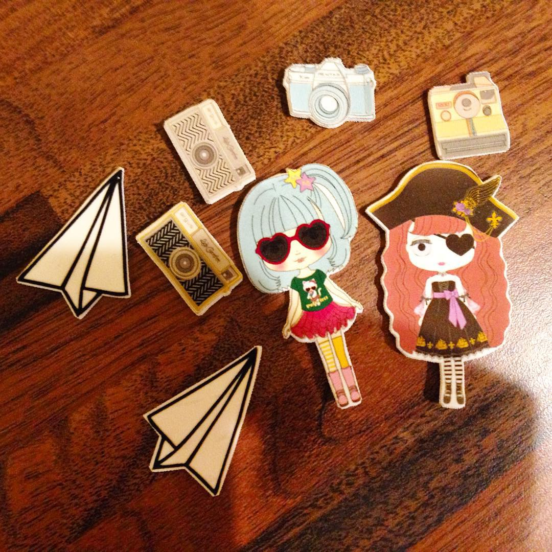 shrinkles blythe dolls, planes and cameras - cabochons for jewellery